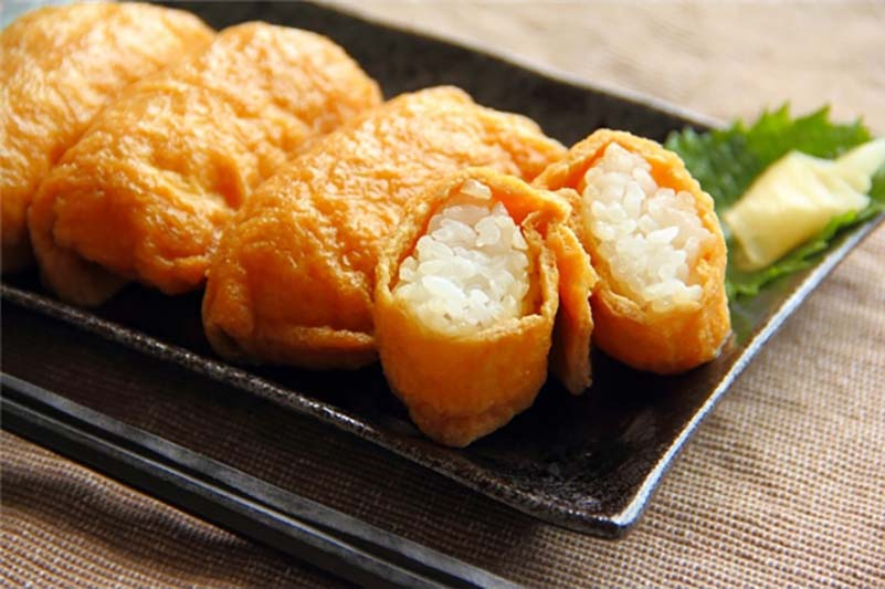 riso avvolto in una sfoglia di tofu