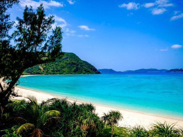 Spiaggia bianca di una delle isole di Okinawa - Watabi