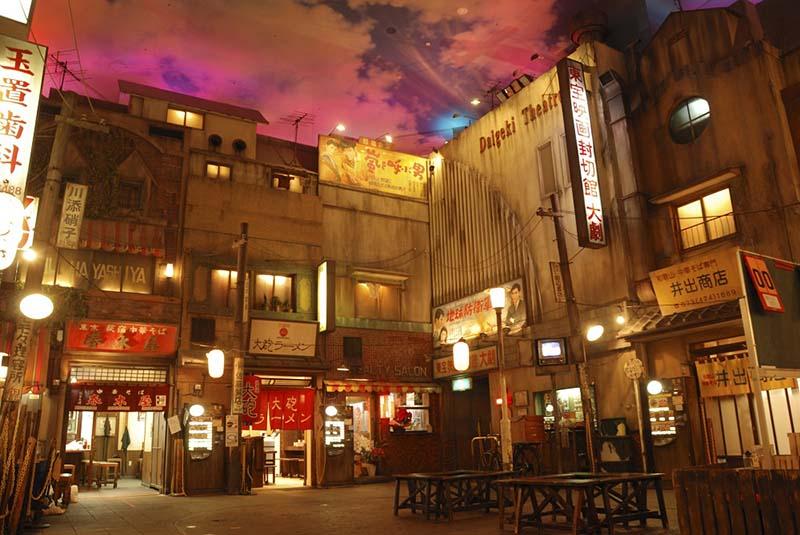 un finto villaggio all'interno del ramen museum di Yokohama