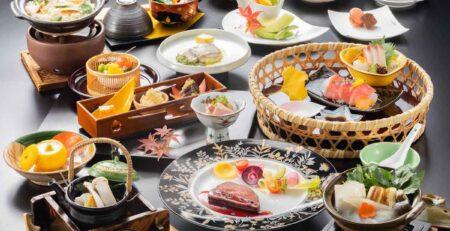 tanti diversi piatti giapponesi - watabi